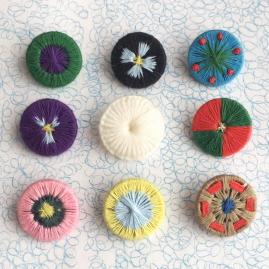 手作り糸ボタン